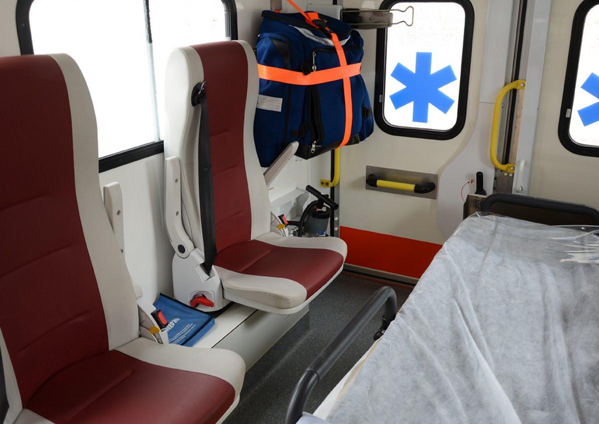 autre-ambulance-interieur